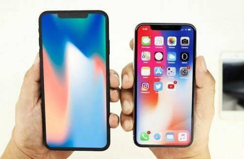 """达利亚纳尼表示,目前起价为999美元(约合6250元)的iPhone X取得了""""有限的成功"""",这让他相信,将基础价格降低100美元(625.9元),可以重振这款5.8英寸机型的销售。传言的6.5英寸iPhone X Plus机型将填补999美元(约合6250元)的价位。"""