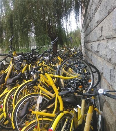 共享单车屡遭损毁 网络叫卖2000元回收共享单车