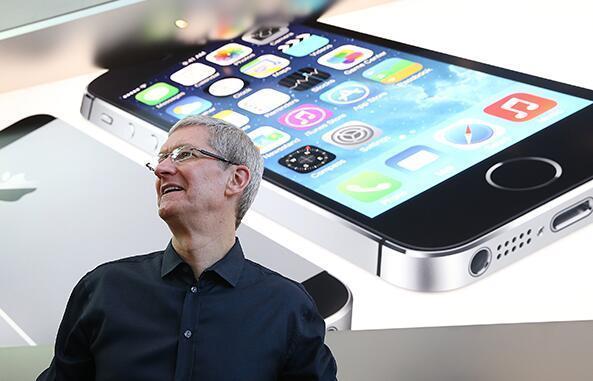 iPhone为何国内卖不动?外媒:微信太火