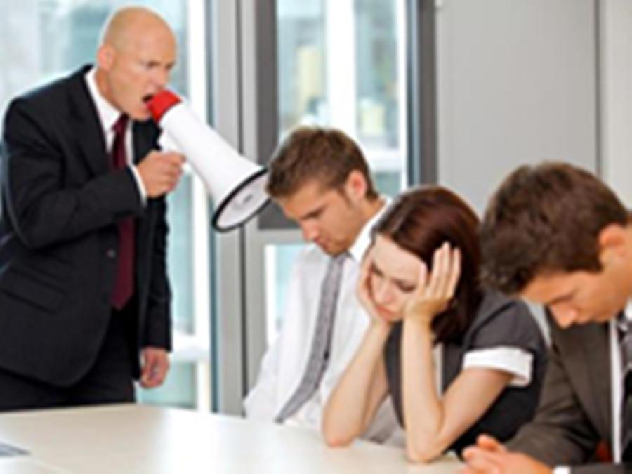每个失心疯的老板,都曾逼新媒体部门学过杜蕾斯