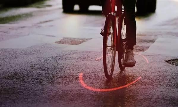 夜骑者福音!米其林发明的电竞这款神器让你的自行车自带光环
