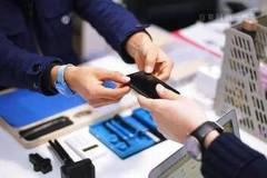 信任难筑,手机维修平台该如何打好服务这张牌?