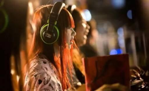 电商巨头纷纷涉水电竞,撬动游戏产业恐为时尚远