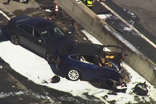 特斯拉Model X上周五致命车祸遇难者是苹果工程师