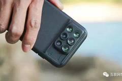 这个手机壳不简单,自带12个镜头,手机秒变单反!