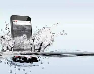 消费者心声:我手机的镜头已经够好了,什么时候给我防防水?