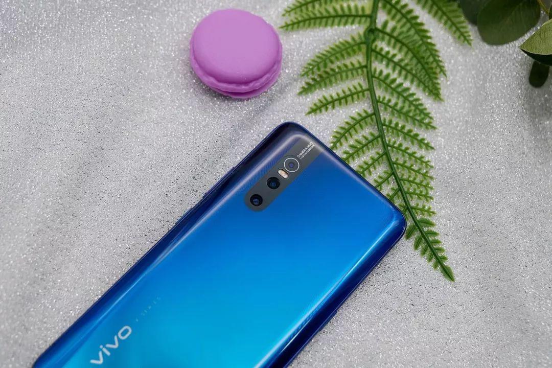 原创              既有颜值又有性能,这几款手机是你的最佳选择!