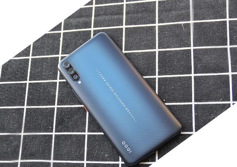 原创              手机重度用户?这些快充手机能帮到你!