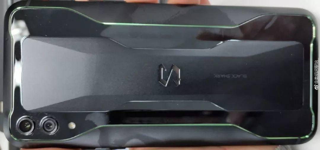 黑鲨游戏手机2外观公布:非异形全面屏