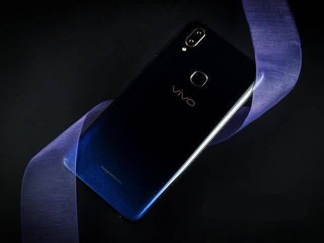 预算1500元,这4款手机值得入手,颜值党的最爱!