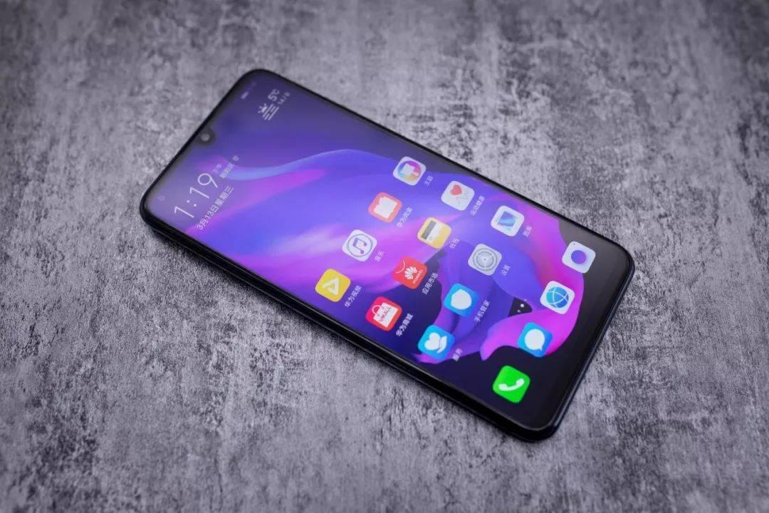 2000块预算买啥手机?这四款值得入手!