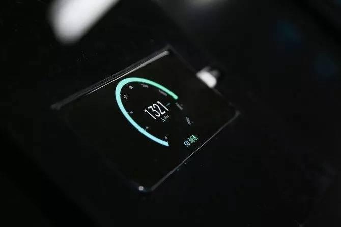 OPPO Reno 5G版首次亮相:6秒下完1G电影
