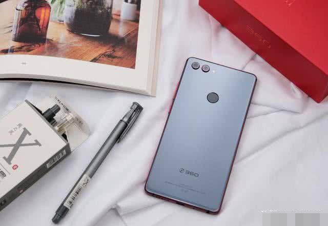 学生党怎么选择手机?这4款性能强悍颜值又高!