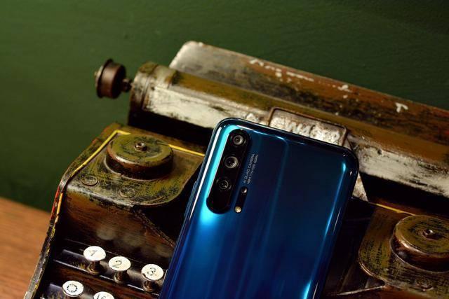 小姐姐如何选择游戏手机?这几款手机值得入手!