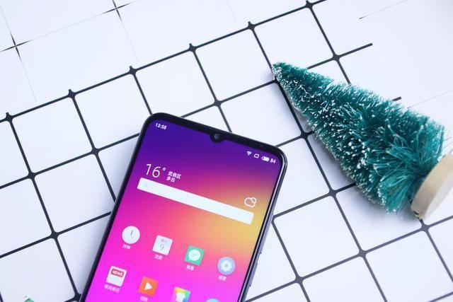 颜值性能全都有,这些千元手机可以考虑!