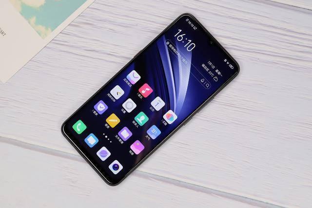 集颜值与性能于一体,这些手机值得一看!
