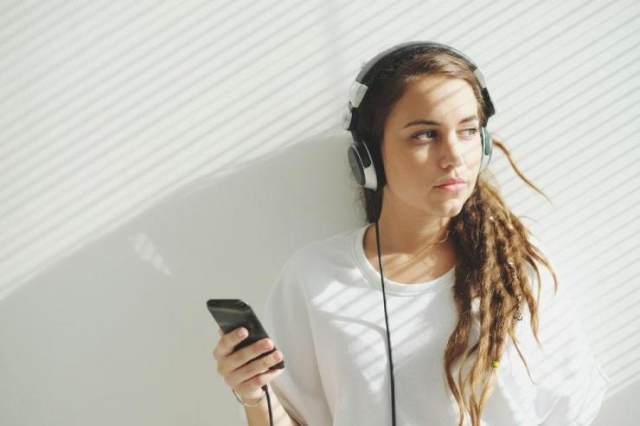 財報輝煌路上,騰訊音樂不能忽視的兩大勁敵
