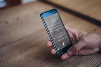 """曾经给你带来惊喜的Siri,如今已经沦为""""鸡肋""""产品!苹果在AI革命面前错过了什么?"""