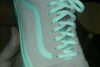 这双鞋到底是灰绿色还是粉红?这双鞋引爆了全球网友的口水战